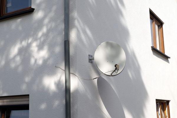 antenne1995DFCC-D4E8-0063-FB51-2566CF5B7908.jpg